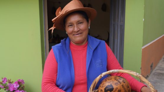 Ana Maria, a gourd carving artisan