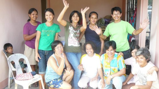Women artisans from the Samaka Daraga group