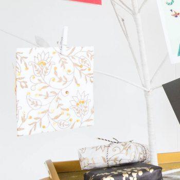White floral card | TradeAid