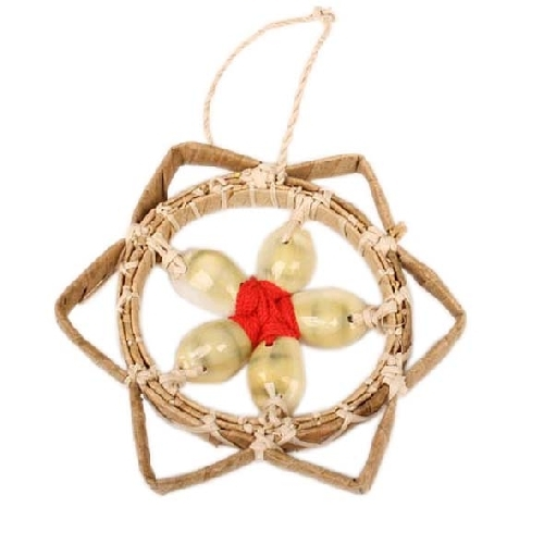 Hanging flower decoration with 5 shells | TradeAid