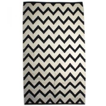 Medium black and white zigzag cotton rug | TradeAid