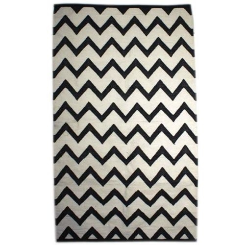 Medium black and white zigzag rug | Gallery 1 | TradeAid