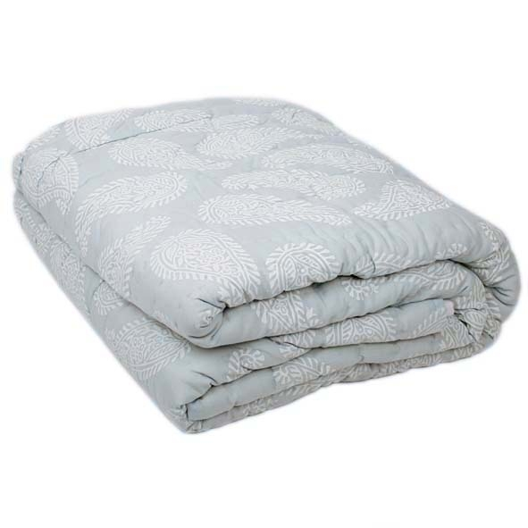 King quilt with paisley print | TradeAid