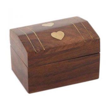 Heart inlay sheesham wood box | TradeAid