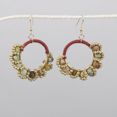 Recycled fabric bead earring | TradeAid