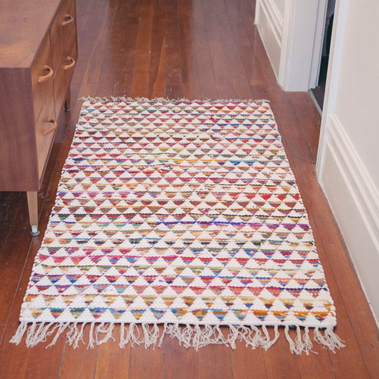 Medium triangle rug | TradeAid