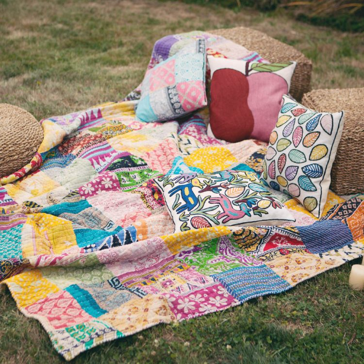 Queen recycled sari quilt   TradeAid