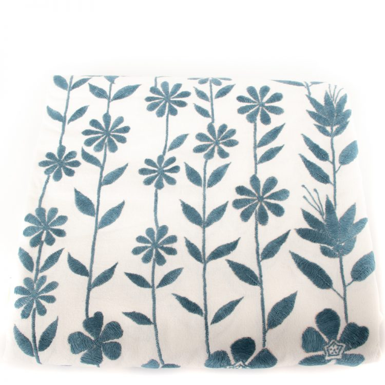 Flower and bird tablecloth | Gallery 1 | TradeAid