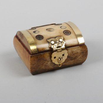 Camel bone box with 7 circles | TradeAid