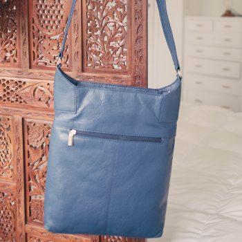 Dark blue leather shoulder bag | TradeAid