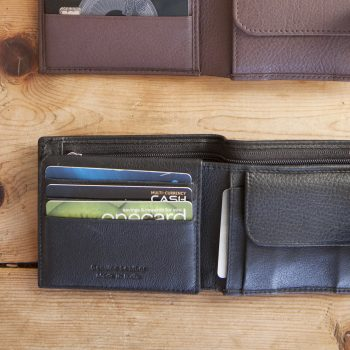 Black leather wallet | Gallery 1 | TradeAid