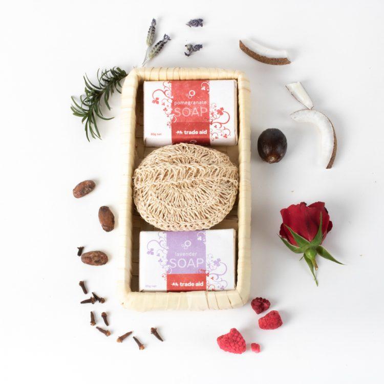Soap & bodyscrub giftpack   TradeAid