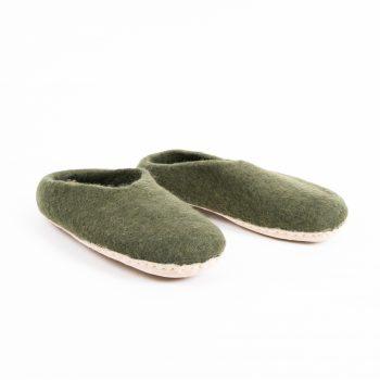Khaki felt slipper (l) | TradeAid