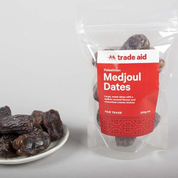 Medjoul dates | Gallery 1 | TradeAid
