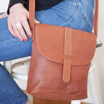 Chestnut leather day bag | TradeAid