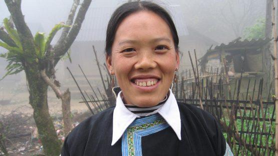 Sung Thi Tanh, a batik artisan, Pa Co commune
