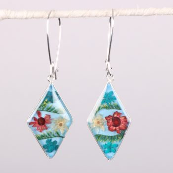 Blue floral resin earrings | TradeAid