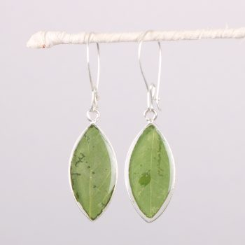 Resin leaf earrings | TradeAid