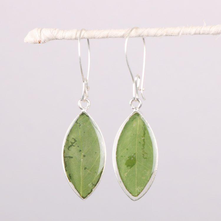 Resin leaf earrings | TradeAid