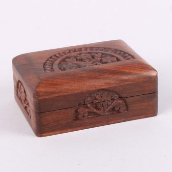 Small sheeshamwood box with carved floral arch | TradeAid