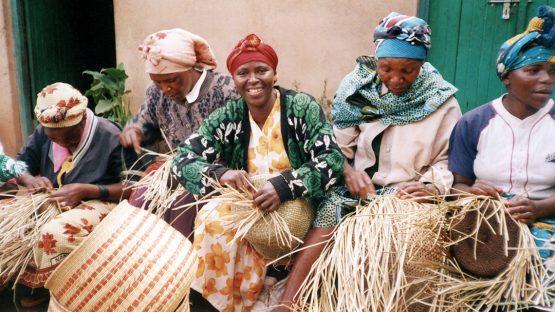 Kwanza women weaving basketry
