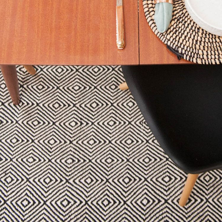 X-large black and white rug with diamond design | TradeAid