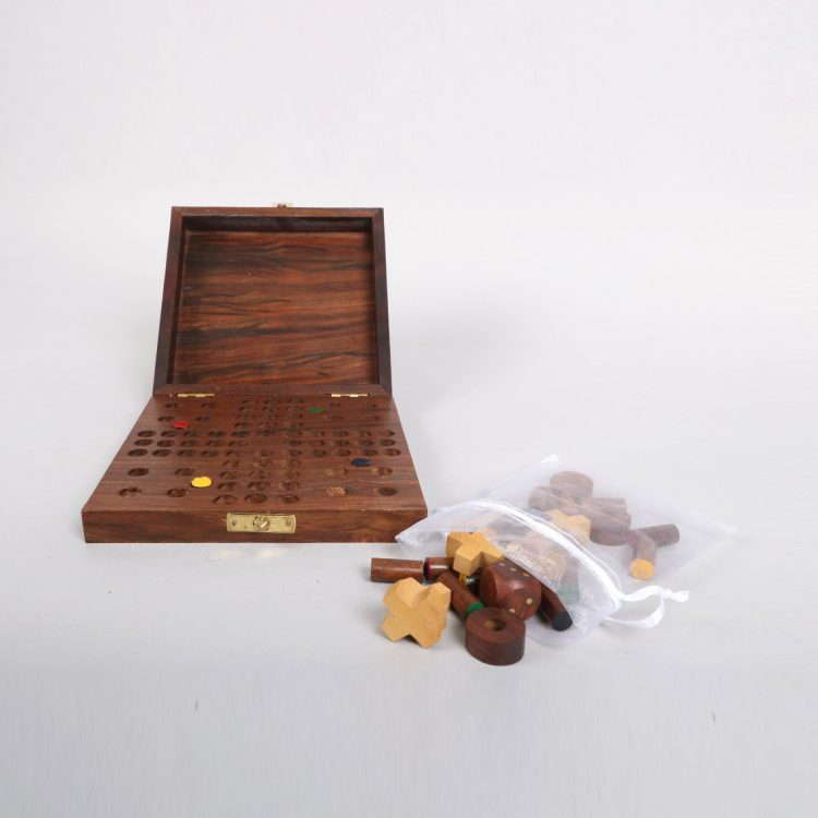 Sheeshamwood boxed games set | Gallery 1 | TradeAid