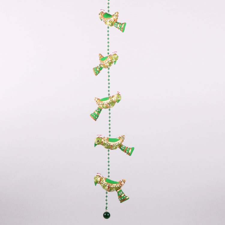 String of parrots | TradeAid