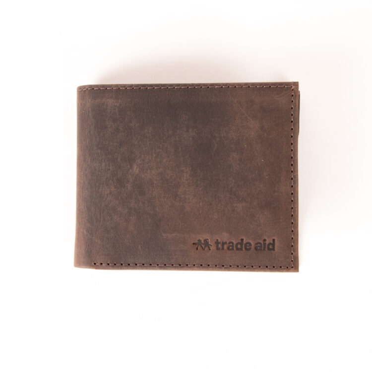 Brown hunter leather wallet | Gallery 1 | TradeAid