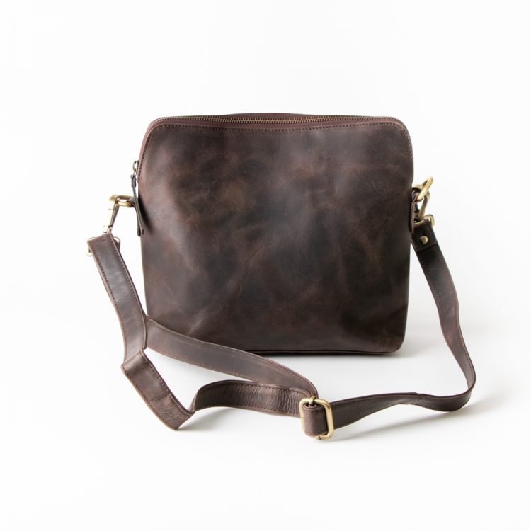 Brown hunter leather bag | TradeAid