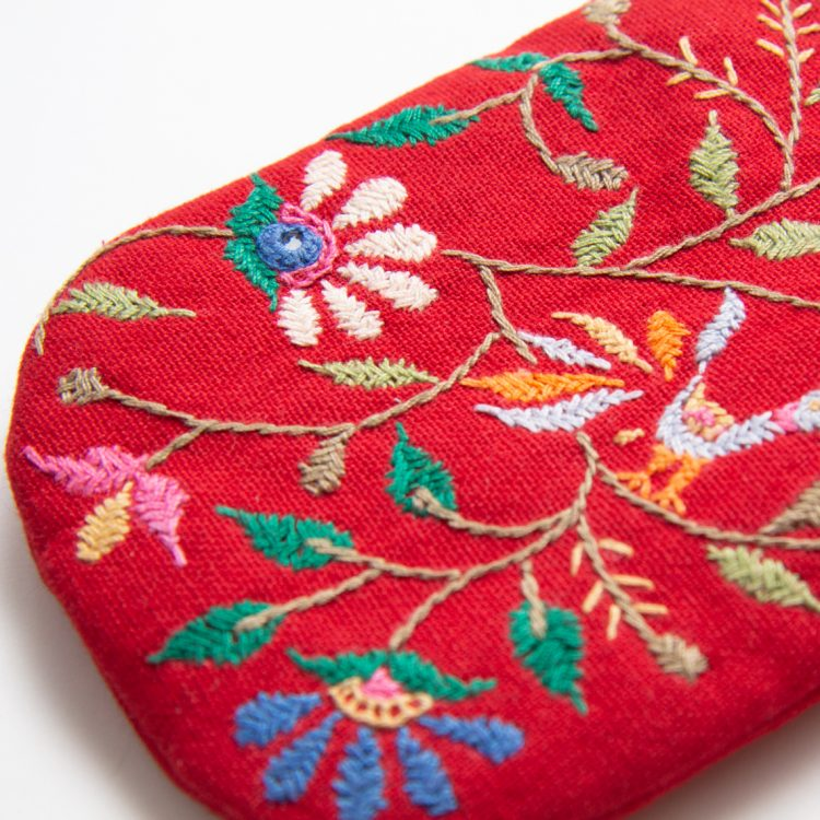 Embroidered red floral glasses holder | Gallery 1 | TradeAid