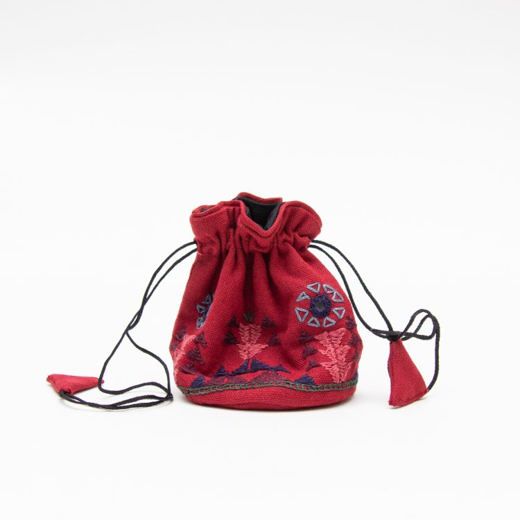 Crimson jewellery pouch | TradeAid