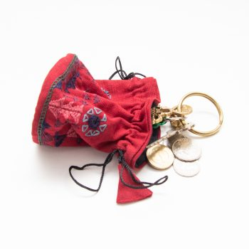 Crimson jewellery pouch | Gallery 2 | TradeAid