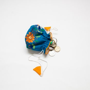 Blue floral jewellery pouch | Gallery 1 | TradeAid