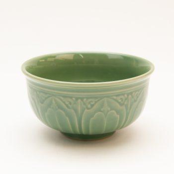 Small green lotus bowl   TradeAid
