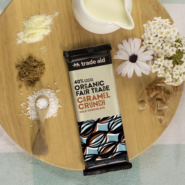Organic 40% caramel crunch milk chocolate – 100g | Gallery 1 | TradeAid