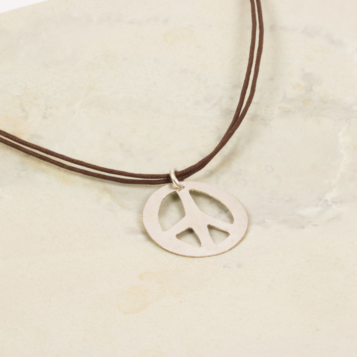 Peace sign necklace | Gallery 1 | TradeAid