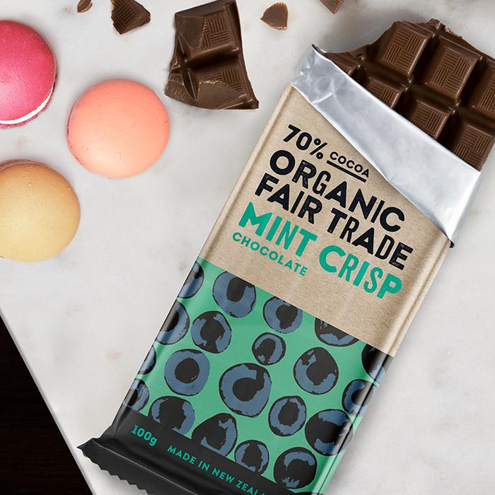 Organic 70% mint crisp chocolate – 100g | Gallery 1 | TradeAid