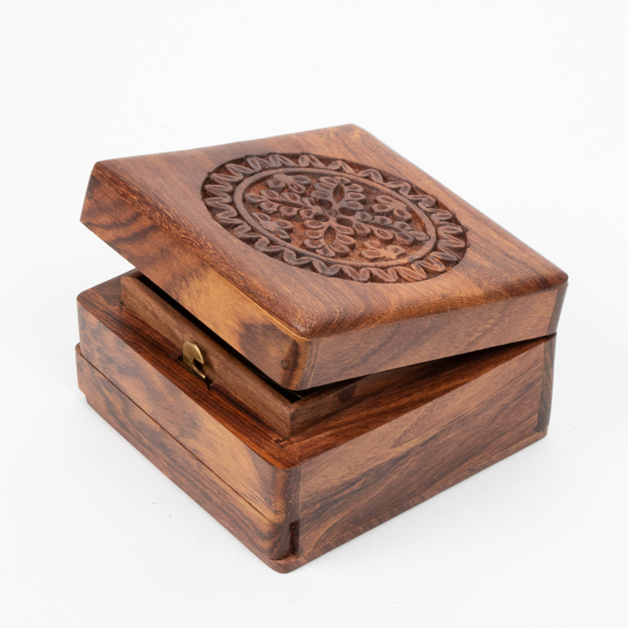 Floral carved box | Gallery 1 | TradeAid