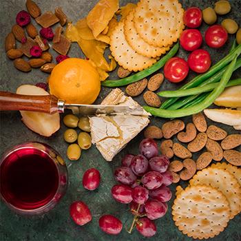 Organic 40% milk chocolate coated cashews – 130g | Gallery 1 | TradeAid