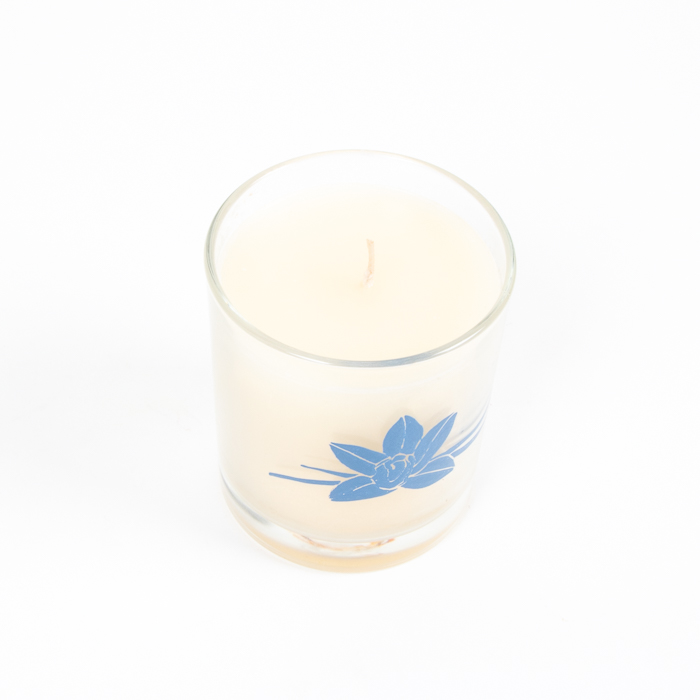 Large madagascar vanilla bean scented candle in glass pot | Gallery 1 | TradeAid
