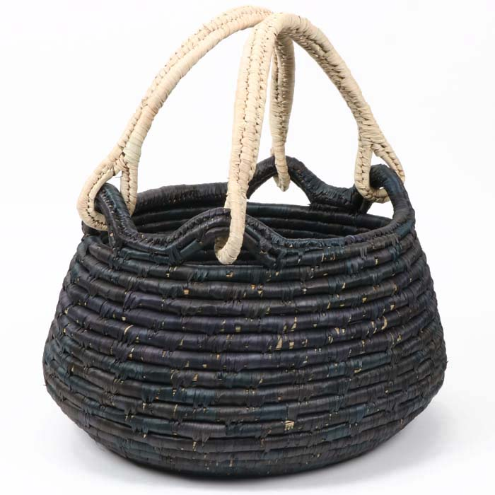 Black summer basket | TradeAid
