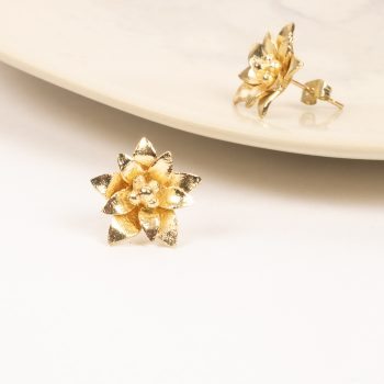 Gold colour floral stud | TradeAid