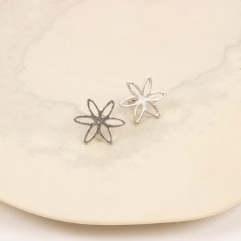 Silver coloured flower stud earring | TradeAid