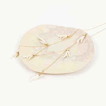 White flower bone bead necklace | TradeAid