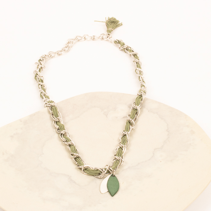 Green thread necklace | TradeAid