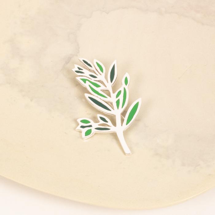 Olive branch brooch | TradeAid