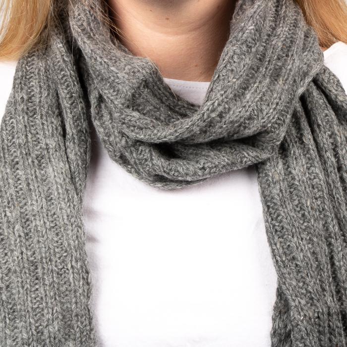 Grey alpaca scarf | Gallery 1 | TradeAid