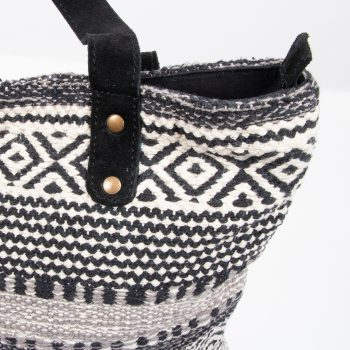 Cotton dhurrie bag | Gallery 2 | TradeAid