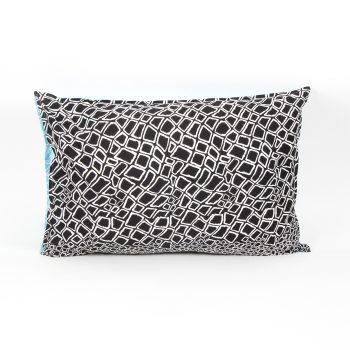 Reversible pillowcase with diamond print | TradeAid